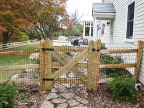 Single-Custom-Wood-Gate