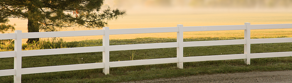 Vinyl Yard Fences & LB Fencing - Vinyl Yard Fences